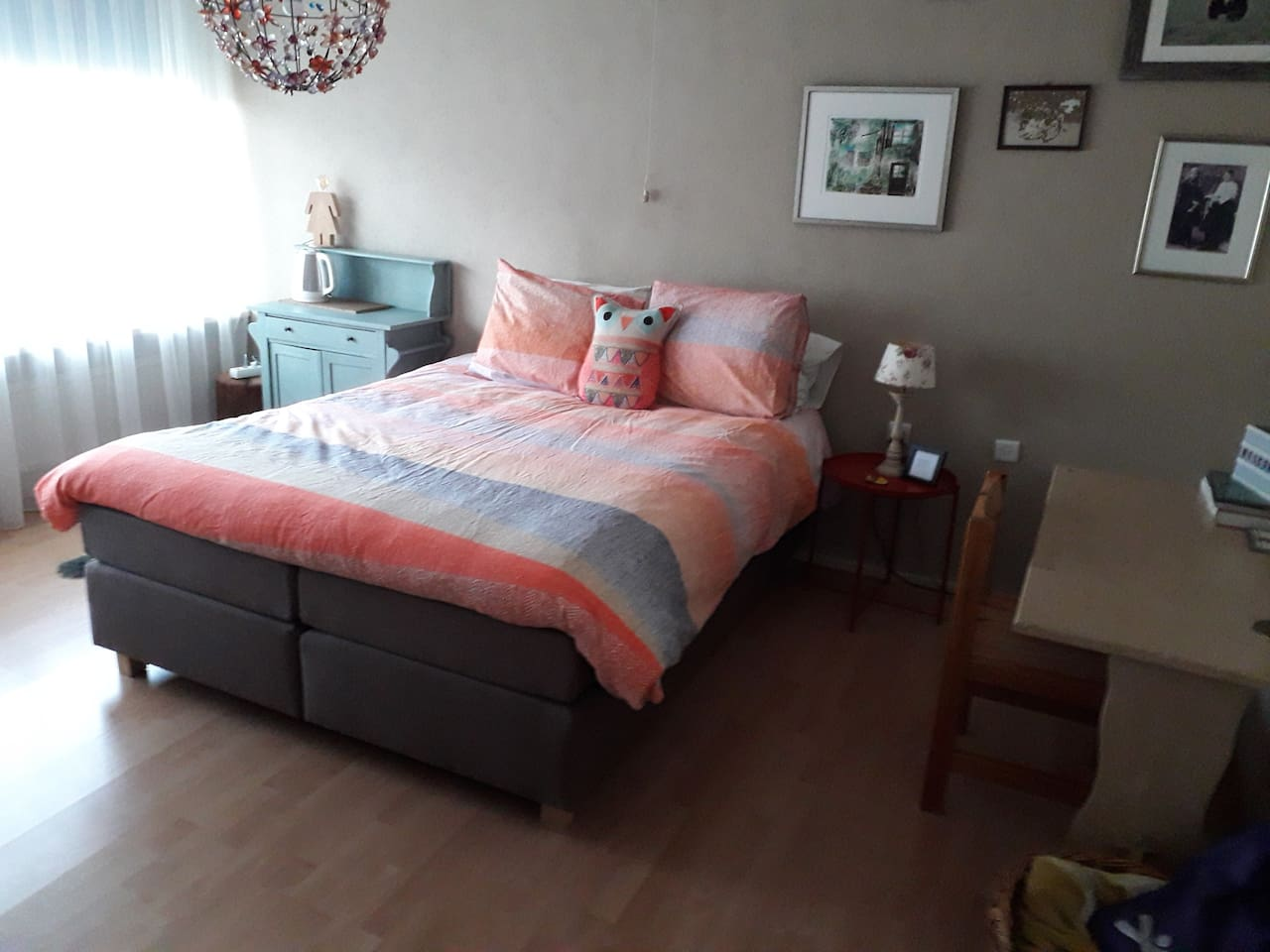 Comfortable 160x200 cm bed