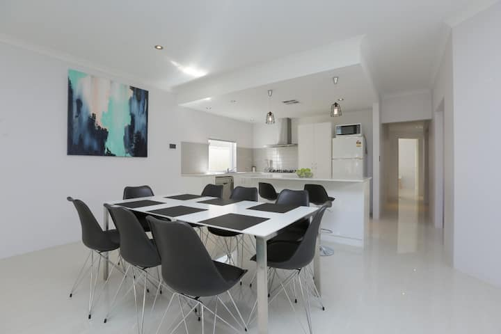 New & Family Friendly, Close to City, Freo & River
