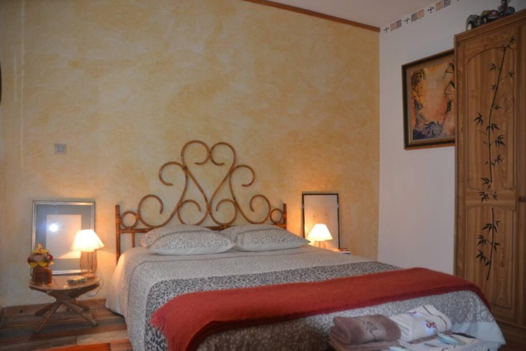 chambre chez l 39 habitant campagne houses for rent in saint victor aquitaine france. Black Bedroom Furniture Sets. Home Design Ideas