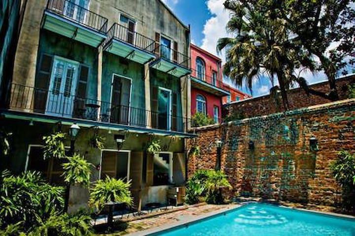 Creole Cozy Modern condo #9