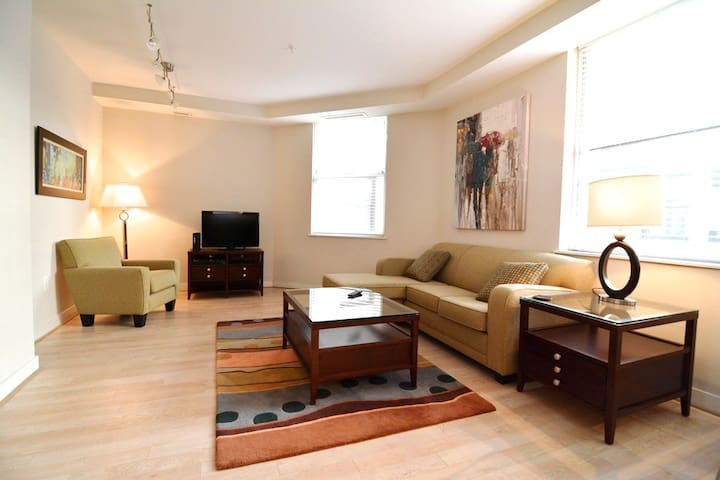 [1375-2ST-1] Lux 2BR - Only 1 Block To White House - Washington - Daire