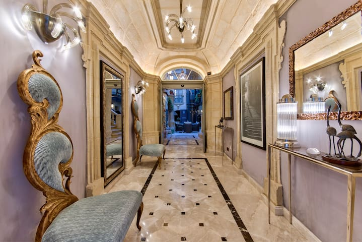 A home within the walls of culture - Valletta - Bed & Breakfast