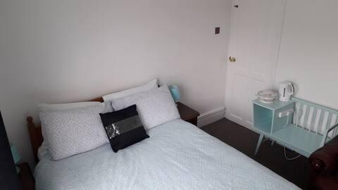The Blue Room @ Anglesea Road,Shirley,Southampton