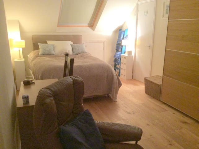 Spacious, comfortable double room & lovely garden - Wargrave - Hus