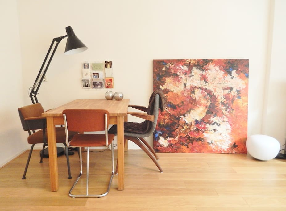 Have dinner in the living room or use it as a workspace.