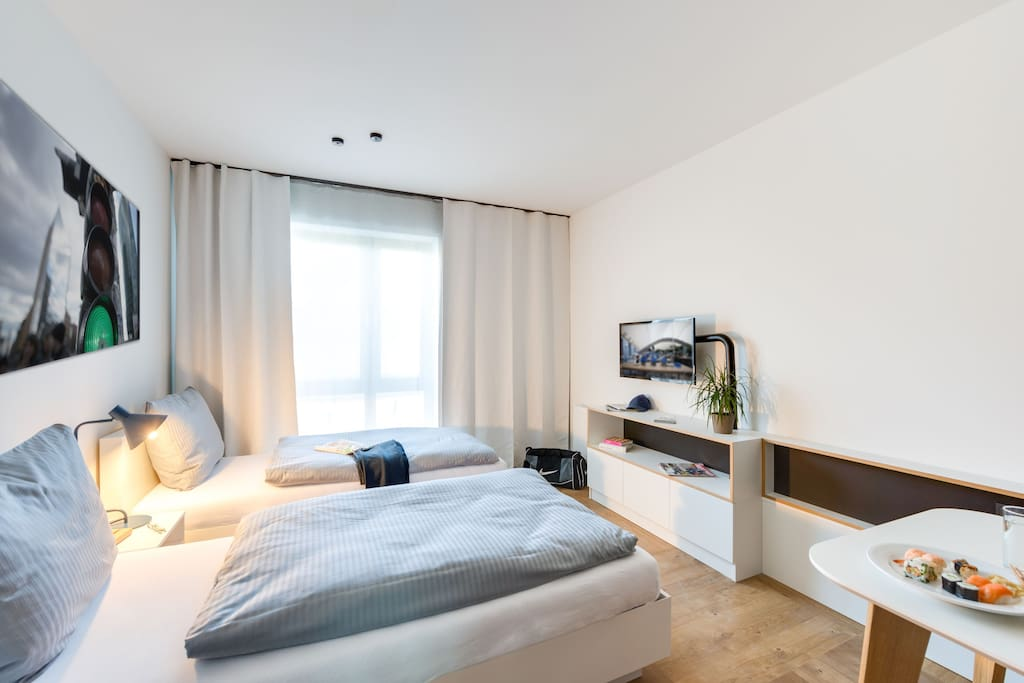 furnished studio in berlin karlshorst b2 w apartments. Black Bedroom Furniture Sets. Home Design Ideas