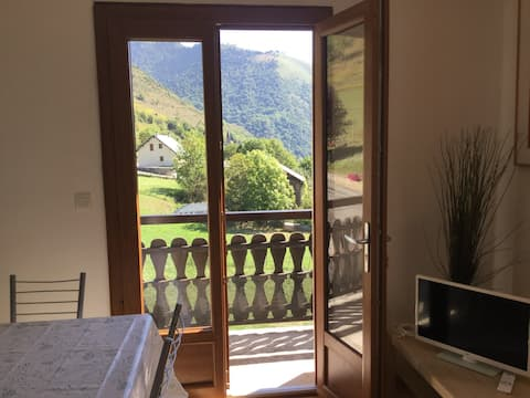 Bagneres-de-Luchon Home with a view