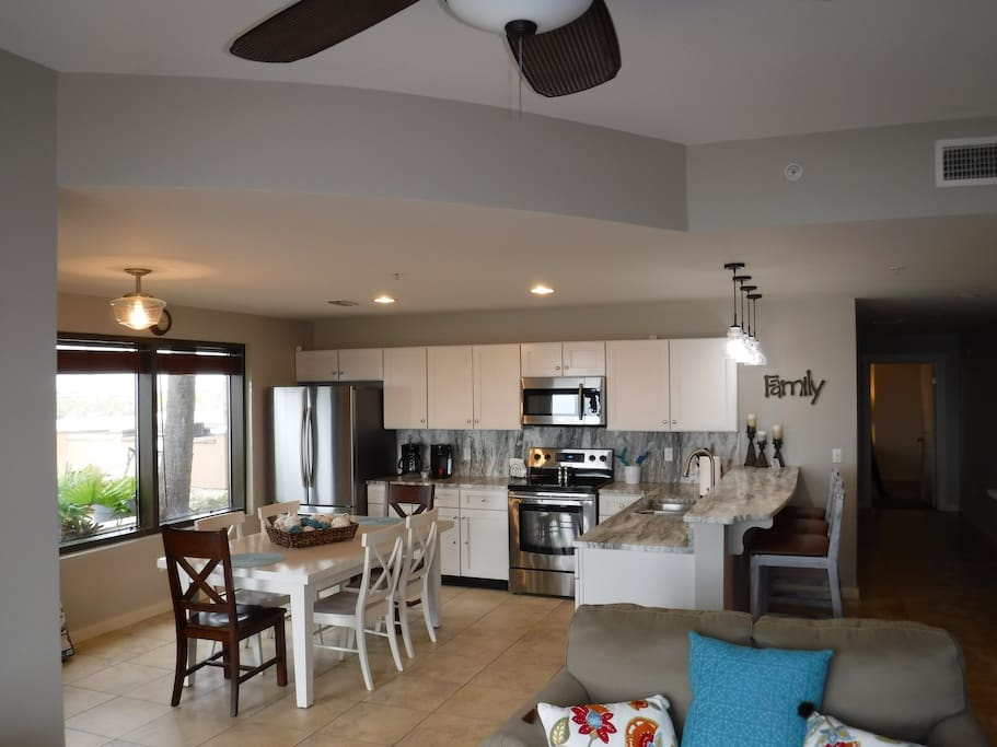Renovated in October 2017! Large space for the whole family in kitchen and living room. New granite on counters and breakfast bar with new stainless steel appliances and new lighting.