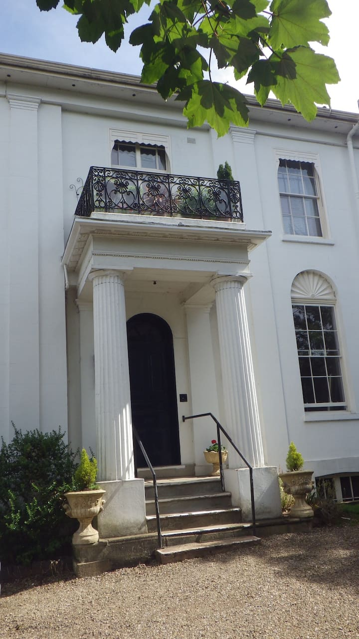 Luxury garden flat in listed building