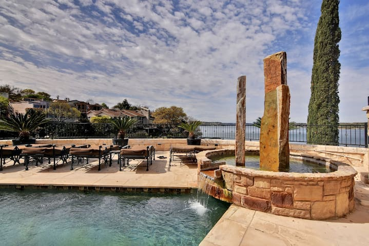 Lake Travis Waterfront W/ Private Dock, Beautiful Views - Lakeway - Casa