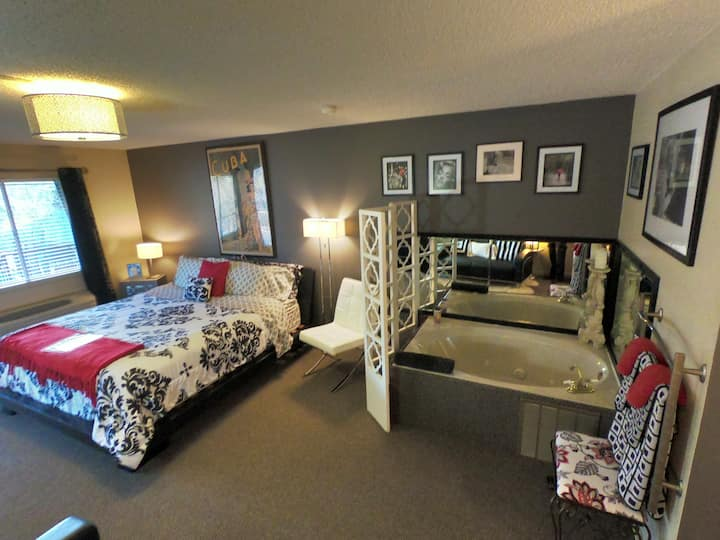 Suite 204 - Tradewinds Lodging and B&B
