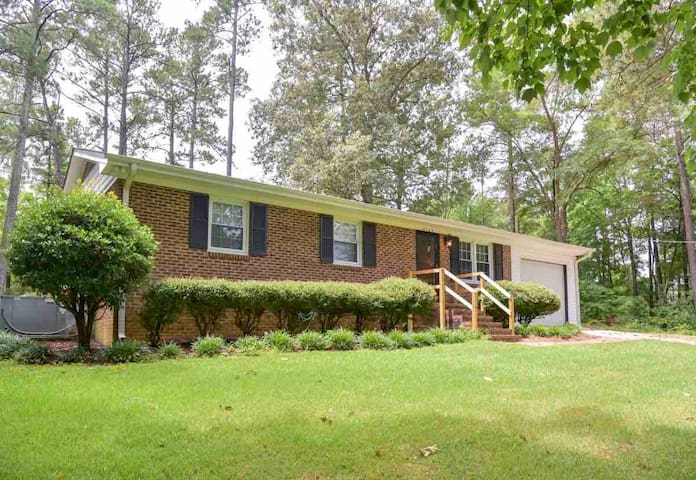 Close To Local Hospitals~Short Drive To Raleigh!!!
