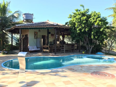Lodge with a pool in Vilas do Atlântico