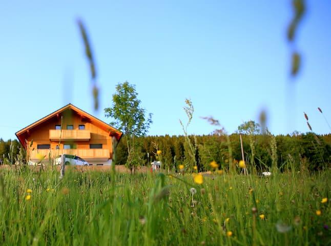 Max-Hütte |  Uriger Natur-Urlaub im Erzgebirge