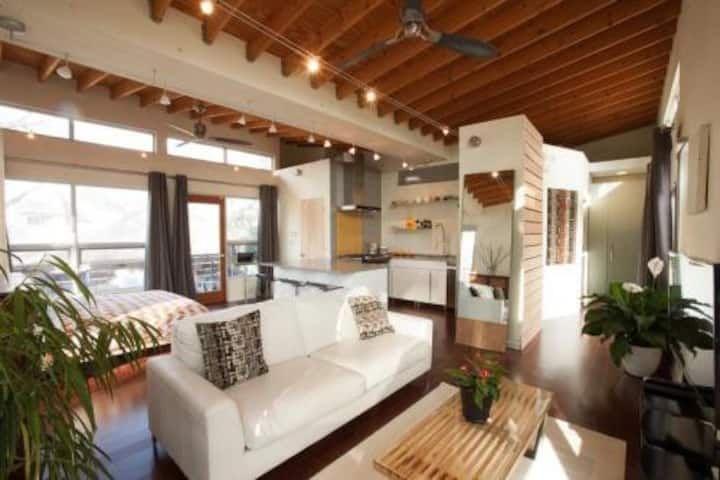 Skyhouse: Exclusive Decatur Property