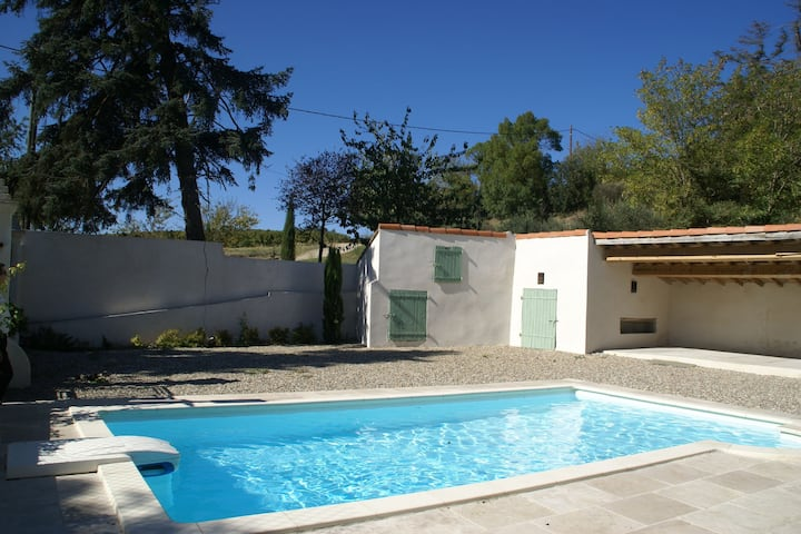 Spacious Cottage with Swimming Pool in Gaja-et-Villedieu