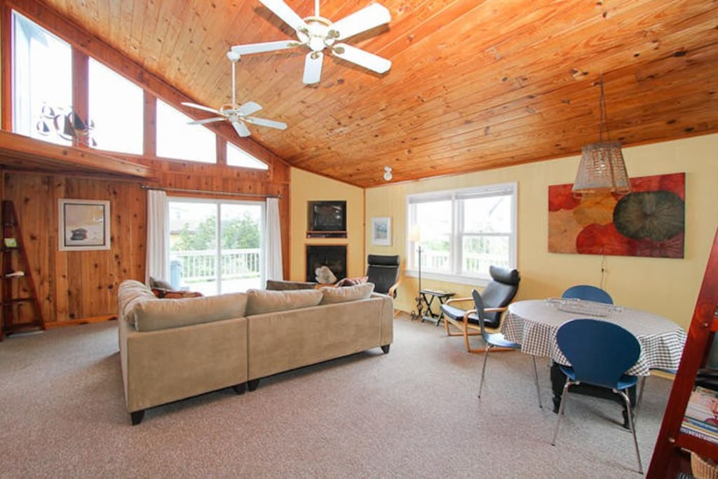 Vaulted ceilings in LARGE family room