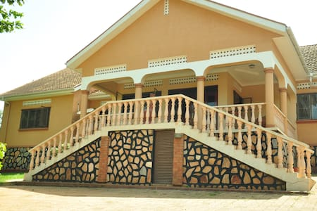 5 Bedroom 2.5 Bath Private Compound Makindye