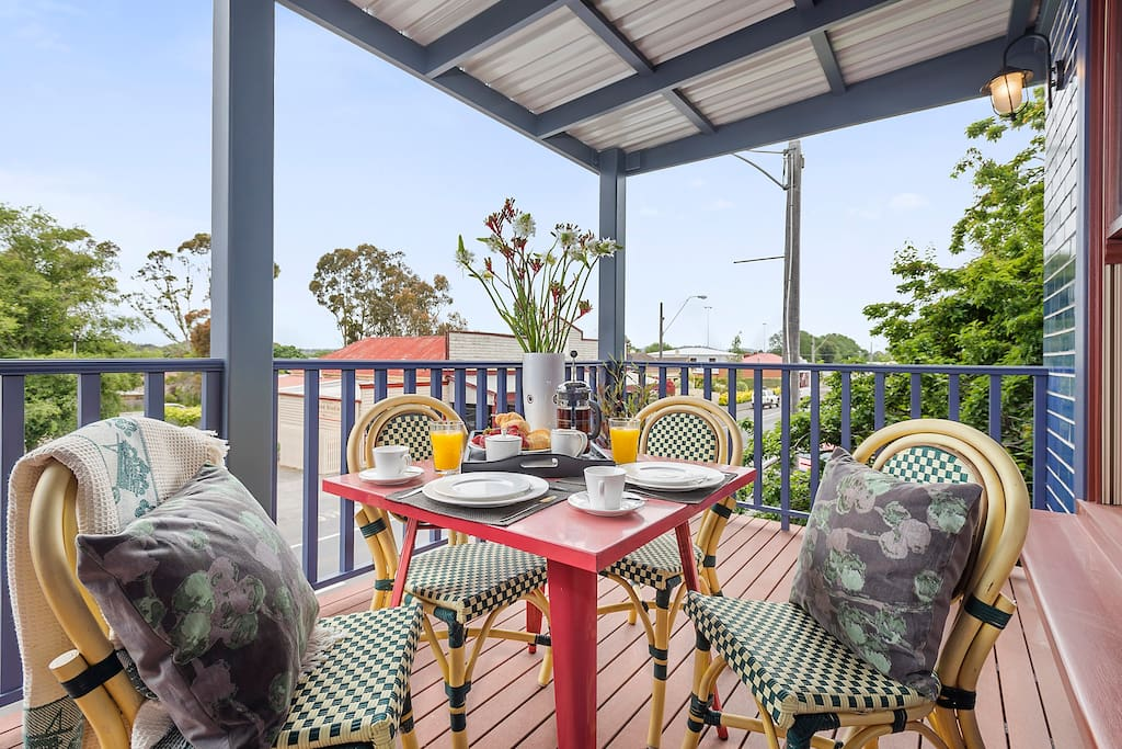 Balcony - Relax and enjoy best view of historic piper st