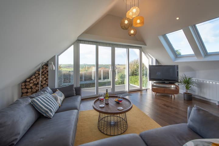 The Outlook - Studio apartment close to Padstow