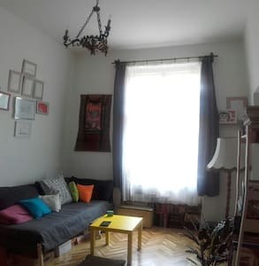 Letting my lovely DiY flat - Budapest - Apartment
