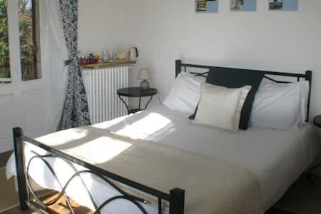 La Maison du Marchand- Balcony Room - Peyrat-le-Château