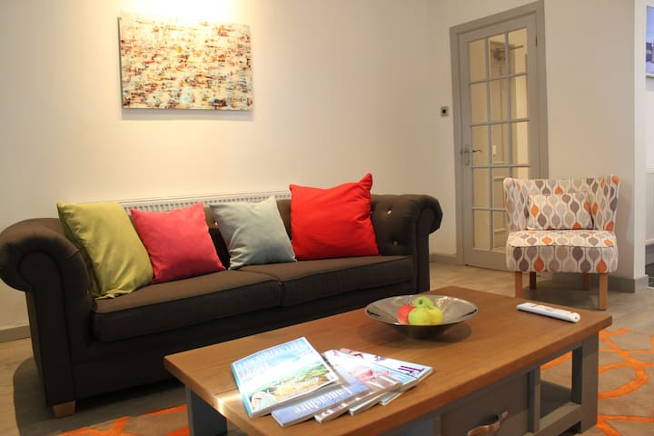 Newly  Renovated Modern Apartment - Lytham Saint Annes - Apartamento