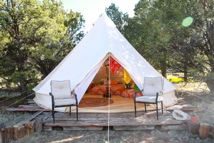 Grand Canyon Glamping Eco-Yurt for up to 8 people!
