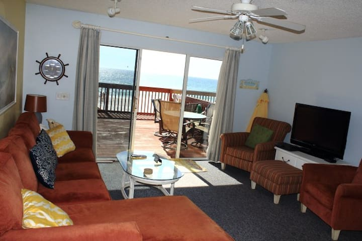 On Beach 2BR/3BA Townhome-Steps to Schooner's-5025
