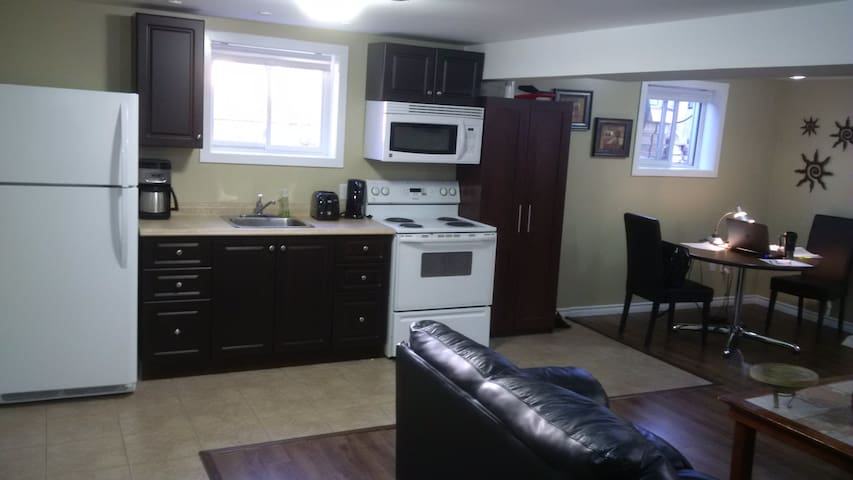 Sarnia Granny Suite Apartment - Sarnia - Apartment