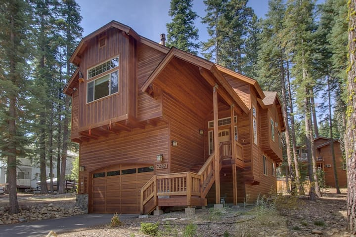 Upgraded gorgeous West Shore home! Close to beaches, hiking, biking and MORE!