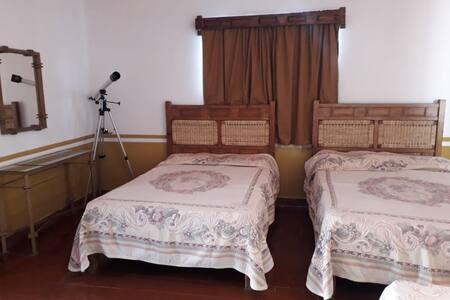 Habitación con alberca en centro de Bustamante