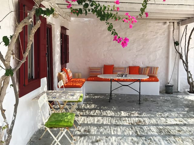 Traditional House in Sa Michalis-Syros Island
