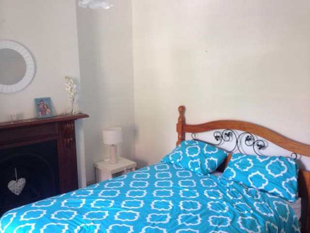 Double room, Surry Hills, Close to City, Sydney.
