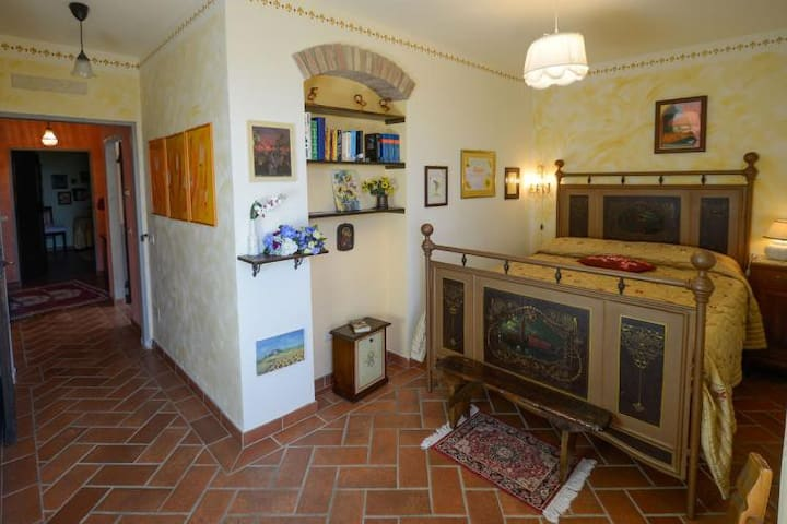 Lovely house with private garden and pool - Cortona - Huis