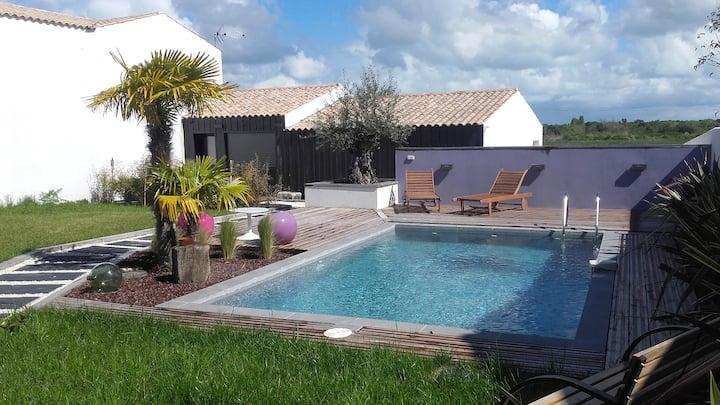 Studio avec piscine dans propriété privée