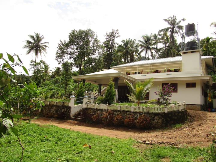 Beautiful Farm stay located