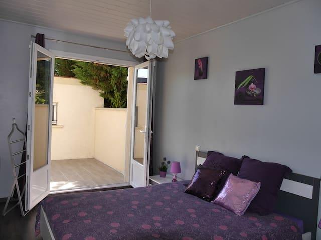 Chambre privée indépendante, calme, proche Disney - Ferrières-en-Brie