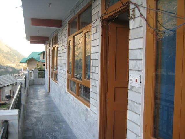 Himalayan House- Badah- Kullu