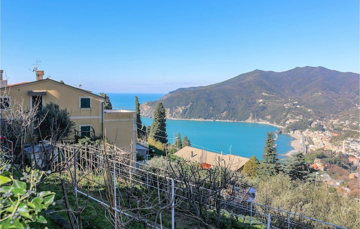 Nice home in Moneglia with WiFi and 2 Bedrooms