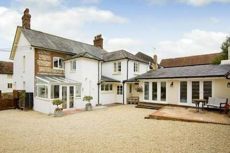 Charming Courtyard Annexe - Sixpenny Handley - Bed & Breakfast
