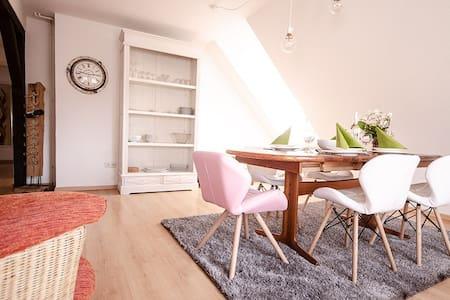 Das Blumenhaus-Appartment Friedrichstadt