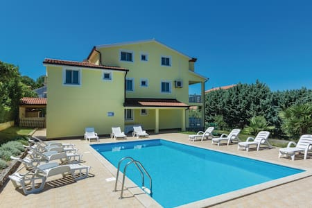 Holiday apartment with 1 bedroom on 27m² in Porec