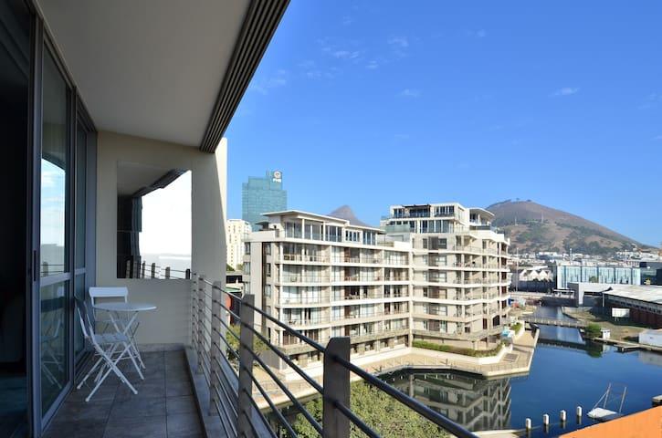 214 Harbour Bridge Balcony View