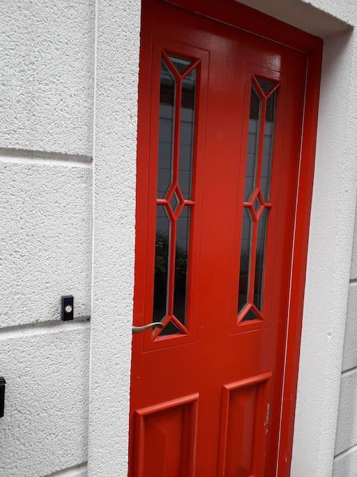 Separate entrance, no lifts, intercoms or corridors
