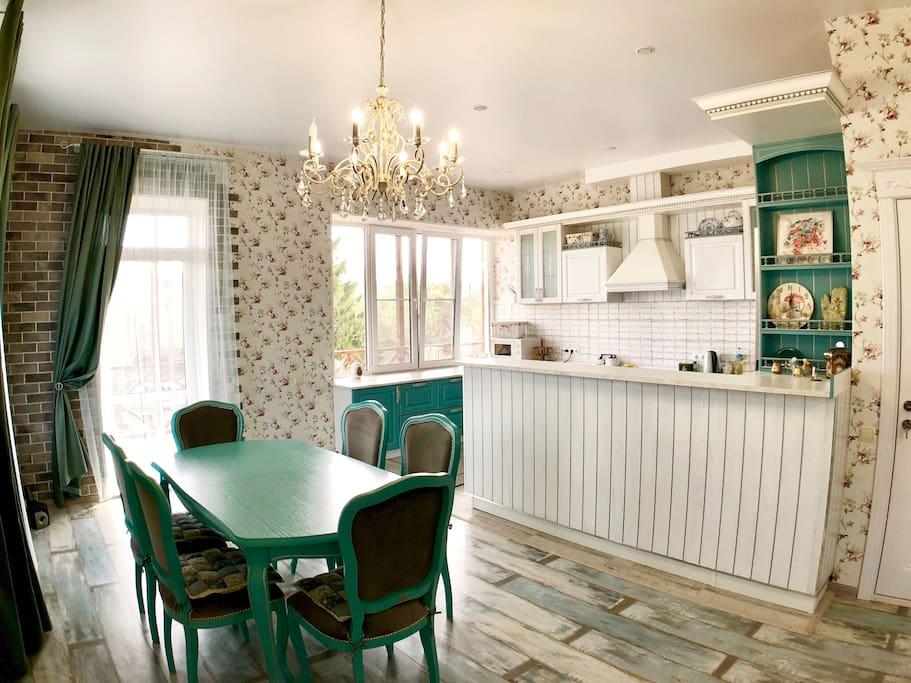 Кухня/обеденная зона