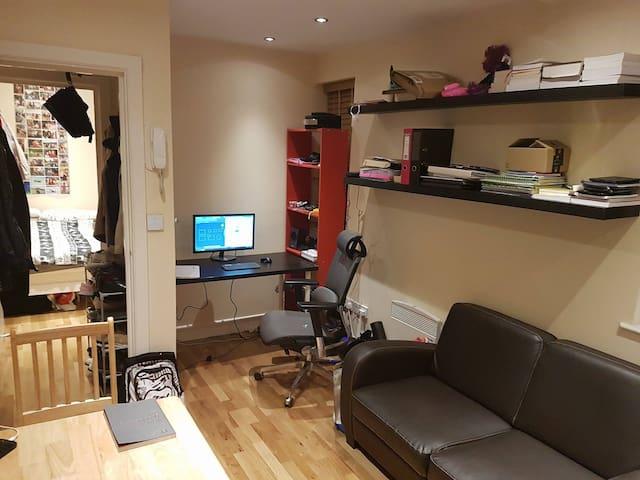 Super 2 pokojowe mieszkanie na Hendon Central