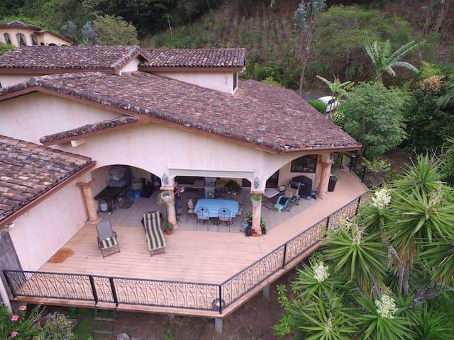 Deck & patio