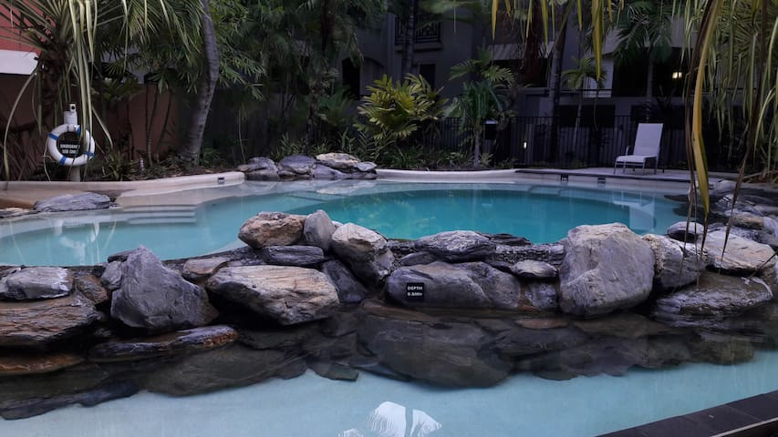 Resort style living in a secure gated community - Westcourt - Apartemen