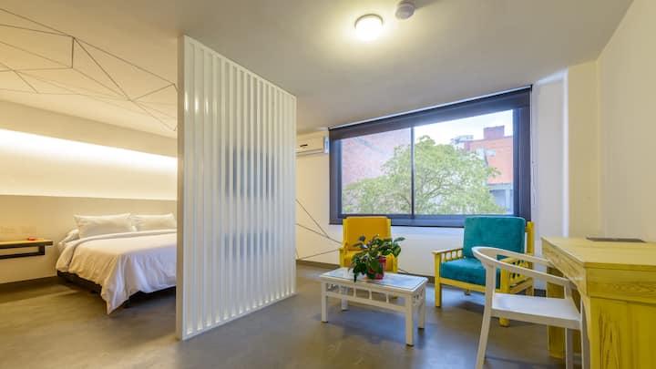 Suite Junior Deluxe Room (Hotel Room Type)